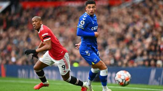 Manchester United: Anthony Martial put under pressure for his future