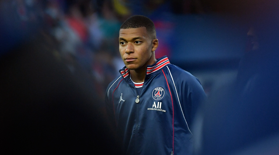Mbappé, a scheduled operation
