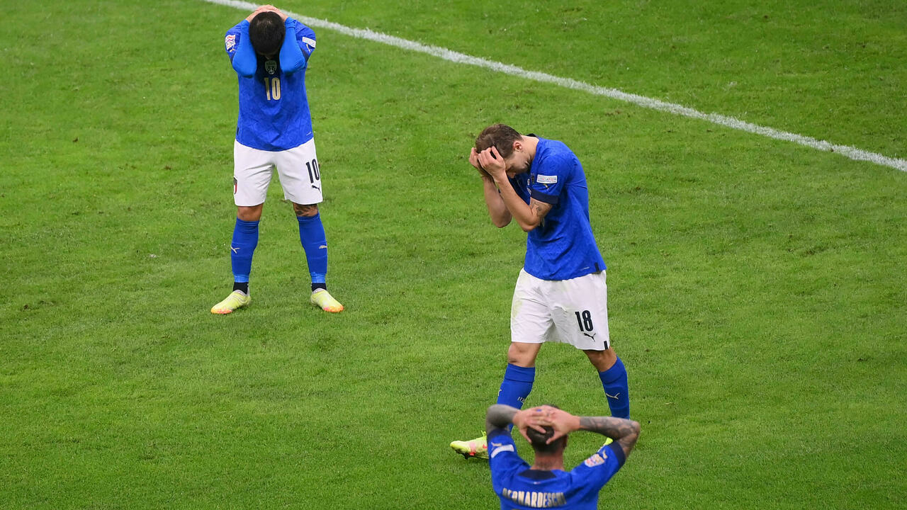 Spain brings Italy back to earth and qualifies for the final