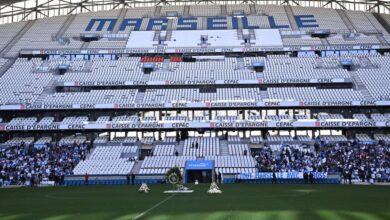 Photo of the players are present for the tribute to Tapie!